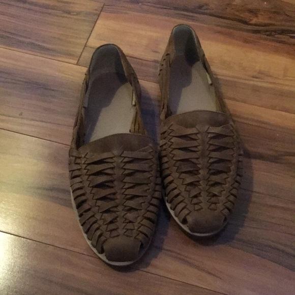 d14fd0f67a77 Nisolo mens woven brown leather huarache sandals. M 5b971a8a2830951bf2a74e6f